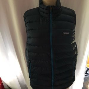 Patagonia men's down vest, new no tags